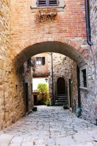 Montefioralle archway